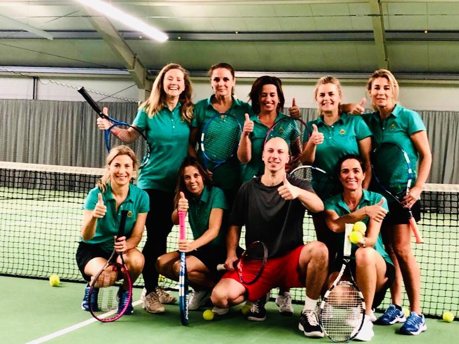dhc_tennis_2019_spanierinnenzubesuch