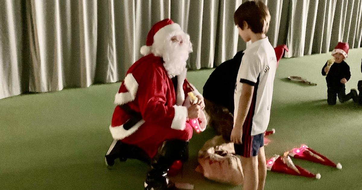 Der Tennis-Nikolaus kam in den DHC