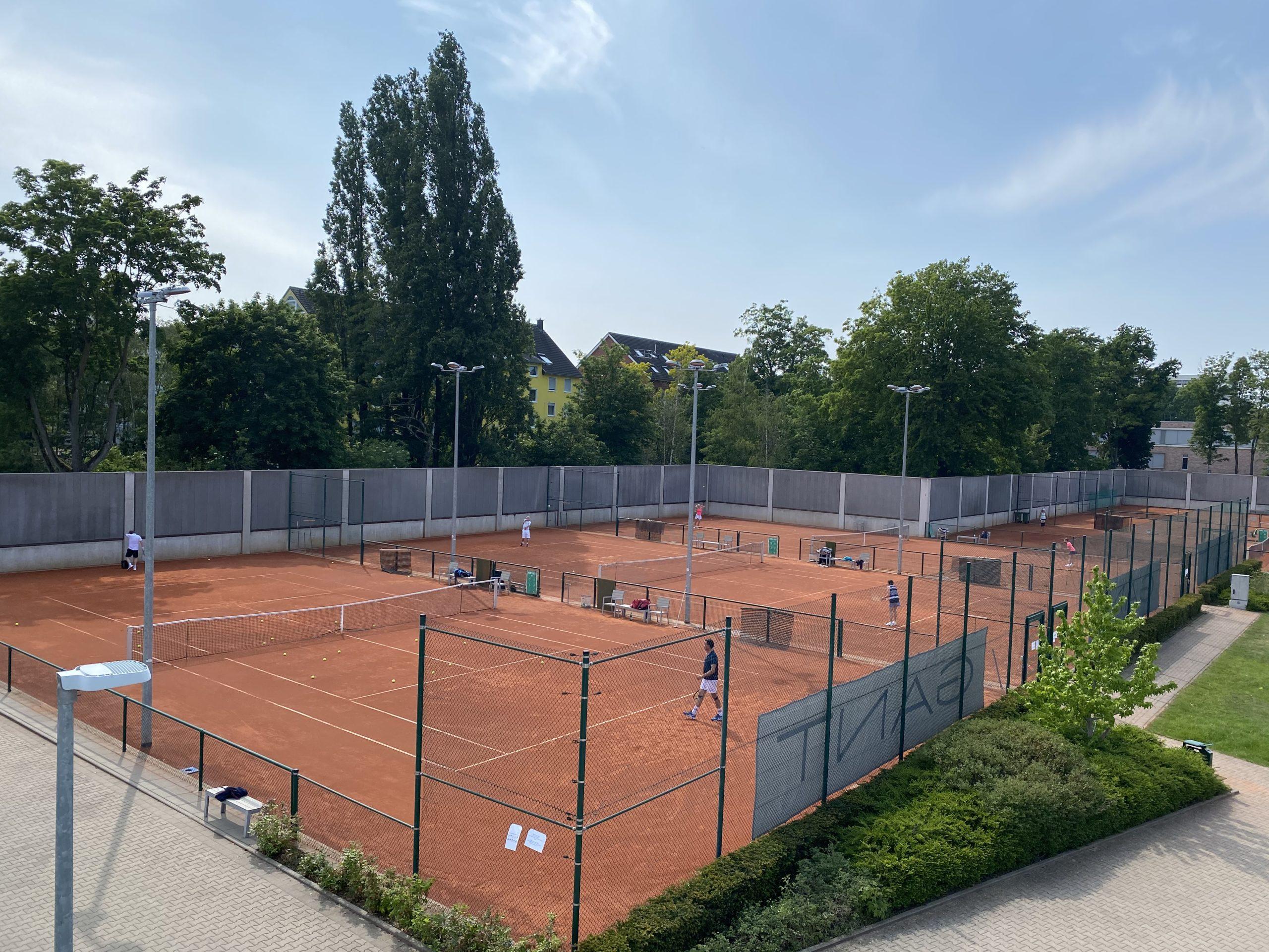 Tennisanlage zur Eröffnung